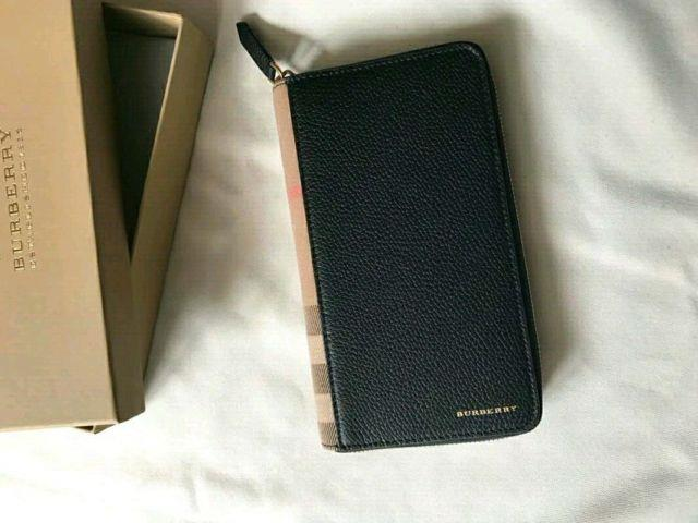 Authentic Burberry House Check And Grainy Leather Ziparound Wallet, New In Box