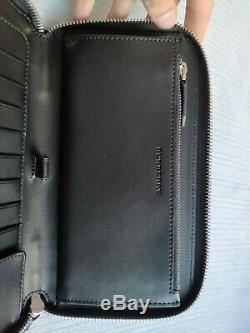 NEW Burberry London Check Ziparound wallet in Navy with Black